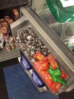 冷蔵庫に大量のチョコレート
