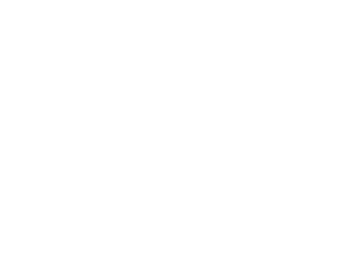 デザイン事務所「ヴェイア」の技が放つエッジなオーラ。これぞ『空の境界』。ブラックレザーを全面に使用した重厚な質感のハードカバー造本に、きらめくホログラム箔押しのタイトルロゴ